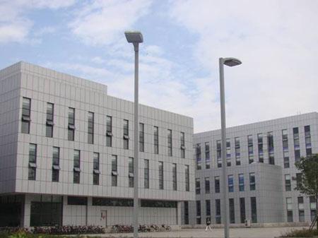 电子科大体育场、研究生楼.jpg